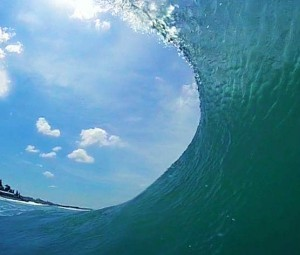This is the view every bodysurfer likes to see when the wave starts to form a barrel.